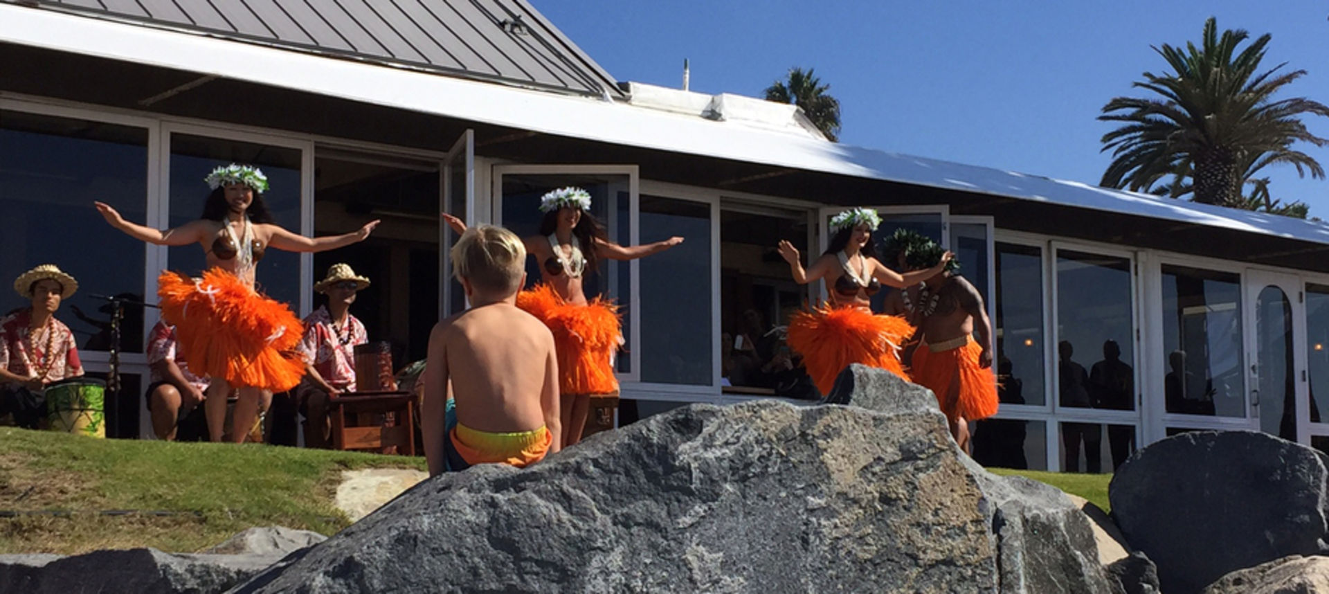 Hula girls dancing outside of Jake's Del Mar